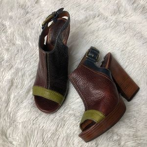 LUCKY BRAND Paola Pebbled Leather Clog
